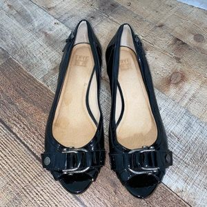 Frye black patent leather shoes w buckle hardware